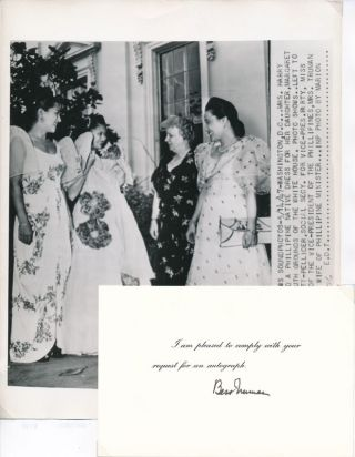Signature / Unsigned Photograph. Bess W. TRUMAN